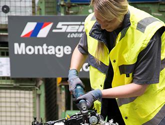 Vorschaubild 01_Motorenmontage1-beschnitten.jpg