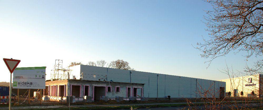 Vorschaubild Regio-Logistik GmbH & Co. KG im Bau, Dez 2015.jpg