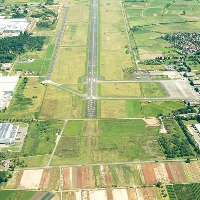 Mobile Vorschaubild Flughafen.JPG